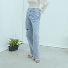 Queen Shop【04011495】單邊刷破休閒直筒牛仔褲 S/M/L*現+預*