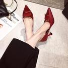 春新款性感法式少女尖頭方扣高跟鞋女士百搭細跟工作鞋女單鞋 阿卡娜