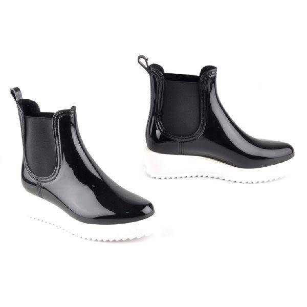 ALL BLACK 摩登風尚厚底休閒鞋 -黑鏡面色