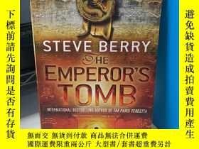二手書博民逛書店The罕見Emperor s Tomb 英文原版Y318991