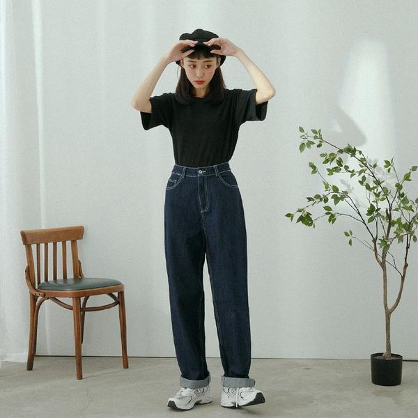 Queen Shop【04011464】車線設計原色牛仔直筒褲 S/M/L*現+預*