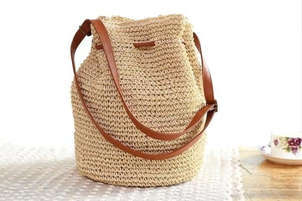 編織包 春夏新款紅人同款熱賣草編包包流蘇水桶斜背包沙灘包編織袋女包 - 古梵希