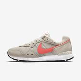 Nike Venture Runner Wide [DM8454-005] 女鞋 運動 休閒 寬楦 復古 穿搭 米 橘