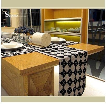 【蝸牛飾傢】愛丁堡黑白菱形格仿亞麻植絨桌旗-YT6452
