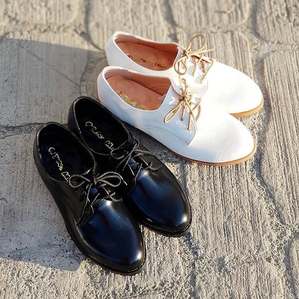 學生皮鞋.台灣製MIT.經典素面綁帶牛津鞋 學生皮鞋 小白鞋.黑/白【鞋鞋俱樂部】【023-XM959】