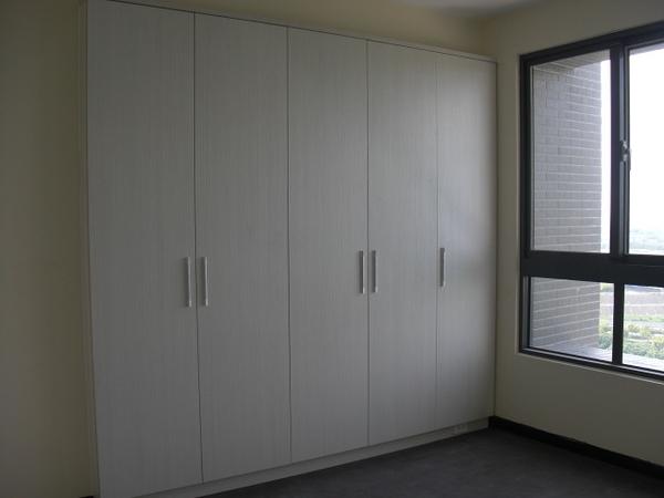 台中系統家具/台中系統傢俱/台中系統櫃/台中室內裝潢/系統家具價格/系統櫃/開門衣櫃-sm0032
