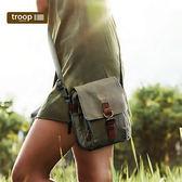 【TROOP】經典品格CLASSIC單肩包/TRP0212KI(卡其色)