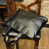 商務包  韓版潮流男士手提包休閒單肩斜背包電腦商務公文包皮質 卡卡西
