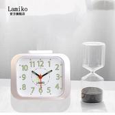 LAMIKO辦公室擺件夜光靜音台鐘書房智慧床頭小夜燈多功能電子鬧鐘【快速出貨八折搶購】