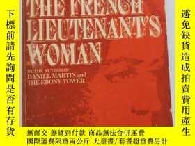 二手書博民逛書店THE罕見FRENCH LIEUTENANT'S WOMAN (英文原版 法國中尉的女人)Y10769 JOH
