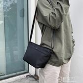 庫尼龍布斜背包/側背包信封包優衣庫同款升級418359米白灰黑藍色包 電購3C