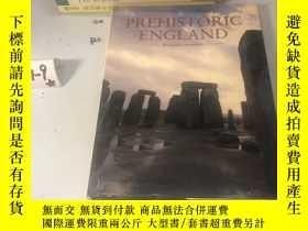 二手書博民逛書店英文原版:Prehistoric罕見englandY182979