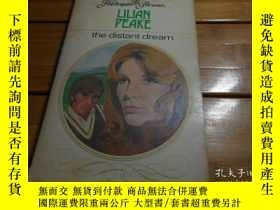 二手書博民逛書店LILIAN罕見PEAKE, the distant dream