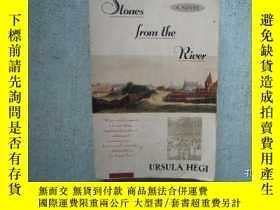 二手書博民逛書店Stones罕見from the River Ursula He
