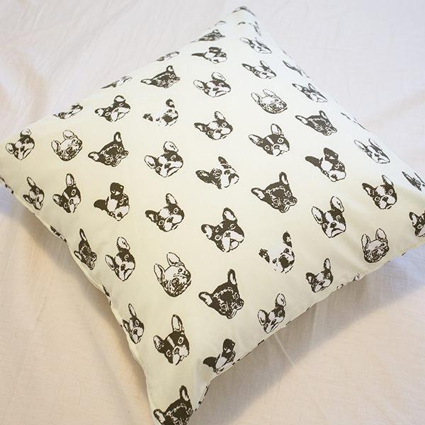 限量 抱枕   黑色法鬥抱枕  磨毛材質 抱枕   枕芯超飽滿 台灣製