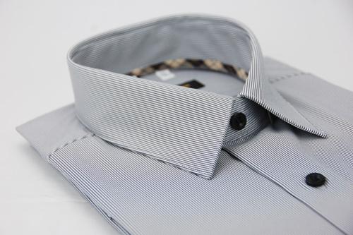 【金‧安德森】經典格紋繞領灰色細紋吸排短袖襯衫