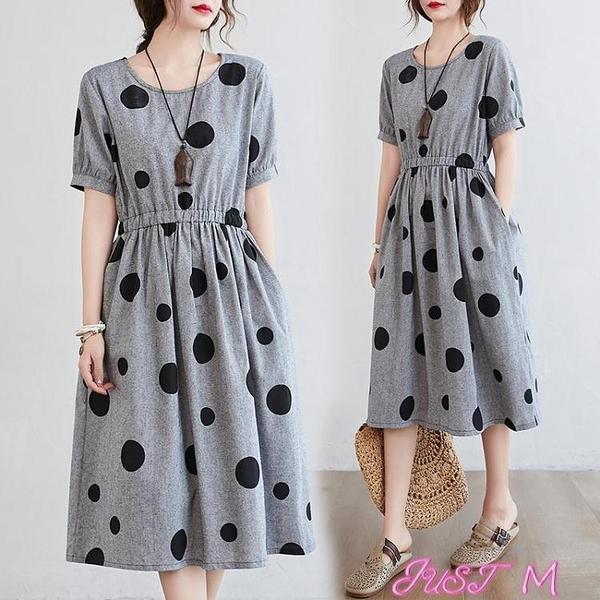 棉麻洋裝棉麻連身裙女夏季新款韓版寬鬆大碼圓點短袖休閒收腰中長款亞麻裙 JUST M