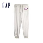 Gap男裝 Logo棉質縮口緊緊休閒褲 567871-米灰色