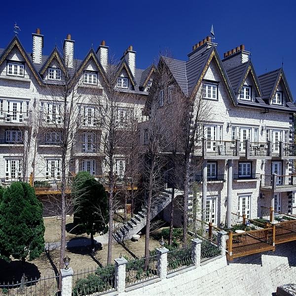 【清境/老英格蘭莊園】音樂城堡4人遊吟詩人房一泊一食