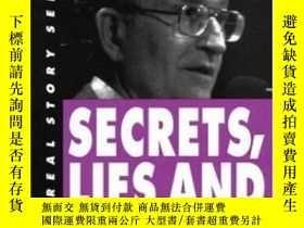 二手書博民逛書店Secrets,罕見Lies, And Democracy (real Story Series)Y25556