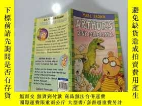 二手書博民逛書店Arthur s罕見Dino Dilemma:亞瑟恐龍困境Y200392