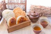 雪花齋 三寶泡餅(酥餅系列)-綜合禮盒20入,麥飴餅(太陽餅),杏仁酥,蒜蓉餅,伴手禮節慶禮盒