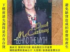 二手書博民逛書店Paul罕見McCartney: Behind the Myth