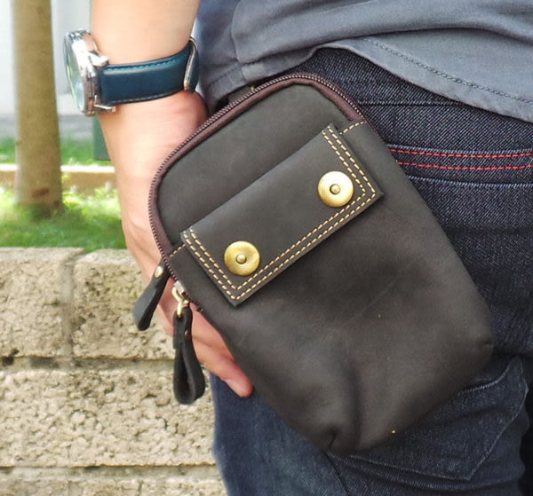 真皮手機腰包-休閒復古瘋馬皮 雙扣 雙層 手機袋 5.5吋 三星 手機包 掛包 零錢包 真皮包 (黑色)
