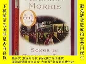二手書博民逛書店英文原版罕見Songs in Ordinary Time by
