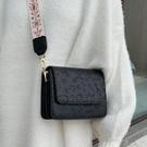 小方包 爆款寬肩帶高級感包包女包新款2021網紅質感斜背百搭側背小方包潮 美物