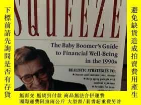 二手書博民逛書店Surviving罕見The Squeeze: The Baby Boomer s Guide To Financ