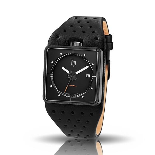 【lip】BIG TV復古電視設計皮革石英腕錶-全黑款/671137/台灣總代理公司貨享兩年保固