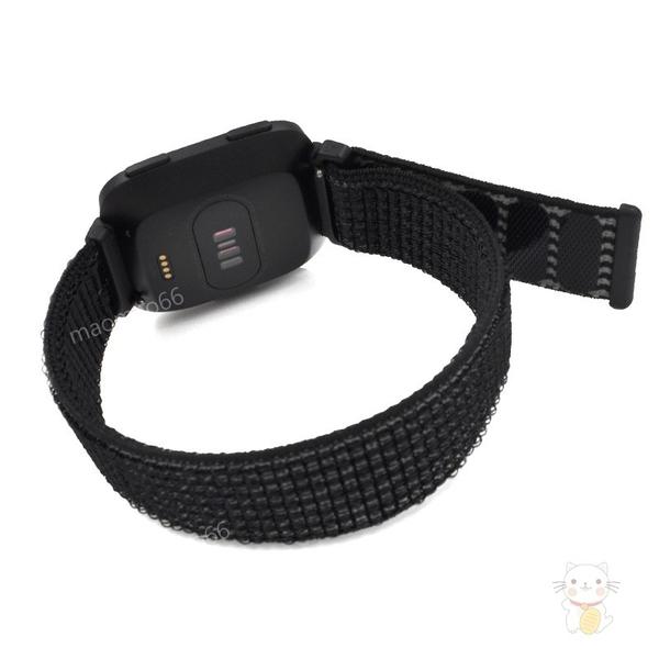Fitbit Versa 尼龍編織運動錶帶輕便透氣魔鬼氈扣帶可調節時尚經典超輕錶帶排汗快拆速脫多孔舒適