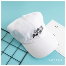 Catworld 塗鴉風英文字刺繡棒球帽【18003737】‧F