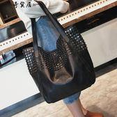 港風大包包2018冬新款女包歐美時尚鉚釘側背包休閒簡約手提購物袋