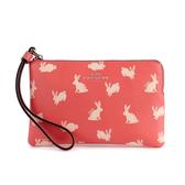 COACH 滿版小兔防刮皮革L型拉鍊手拿包(粉橘紅色)198422