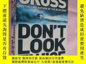 二手書博民逛書店Dont罕見Look Twice by Andrew Gross