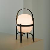 西班牙 Santa & Cole Cestita Alubat Table Lamp 西班牙提籃系列 黑色框架 充電式桌燈 - 室內外兩用版