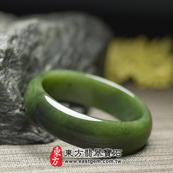 和闐碧玉手鐲(閃玉,俄羅斯碧玉,圓鐲18)RA015嚴選和闐玉,手工精雕,訂製珠寶。附玉石雙證書