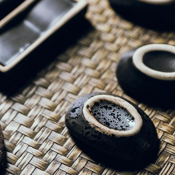 日式筷子架托陶瓷酒店擺台放筷子的架子托簡約創意筷枕家用餐廳用 喵小姐