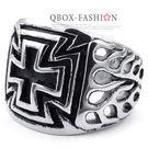 《 QBOX 》FASHION 飾品【R10023530】精緻個性雙邊火焰十字架鑄造鈦鋼戒指/戒環