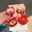 春節牛年卡通毛絨胸針可愛日系新年別針包包裝飾品節日小禮物徽章 夢幻小鎮
