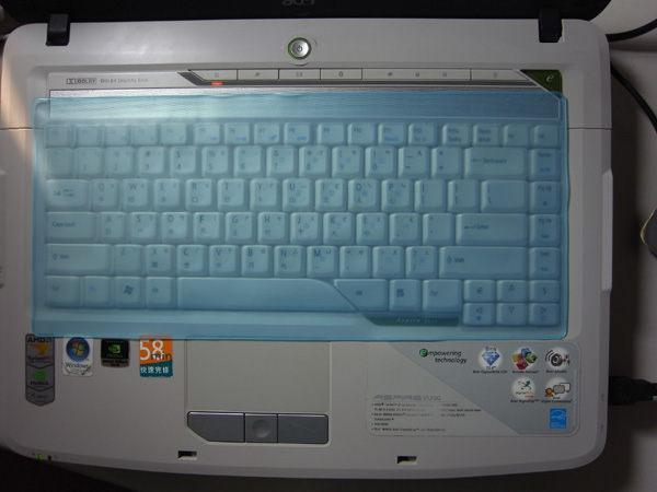 萬用型筆電鍵盤保護膜(一組兩入)(顏色隨機出貨)