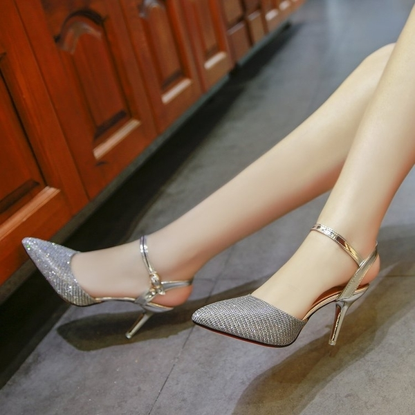 女春季新款尖頭亮片高跟鞋性感細跟後空淺口包頭一字扣涼鞋女 時尚潮流
