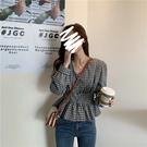 VK精品服飾 韓國風V領收腰顯瘦格紋襯衫長袖上衣