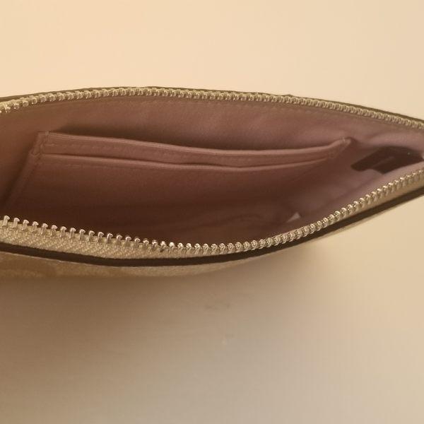 美國COACH 金色馬車 精美小手拿錢包最新設計 淺粉紫色 淺咖啡C Logo 經典款 新品上市 限量$1250