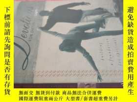 二手書博民逛書店【英文原版】Devotions罕見For Dating Couples( 如圖)Y25633 Ben Youn