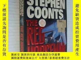 二手書博民逛書店The罕見Red Horseman【紅色騎兵,英文原版】Y146