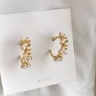 【NiNi Me】耳環 氣質甜美花朵珍珠C形925銀針耳環 耳環 N0556