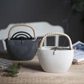 日式陶瓷蚊香罐 提籃盤香架可提掛式驅蚊香盤托【聚寶屋】
